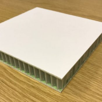 Our lightweight sandwich panels incorporate ThermHex